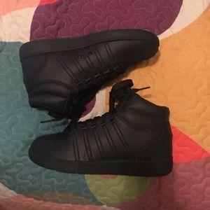 K-Swiss Unisex (Men's 6 Women's 8) Tennis Shoes for sale
